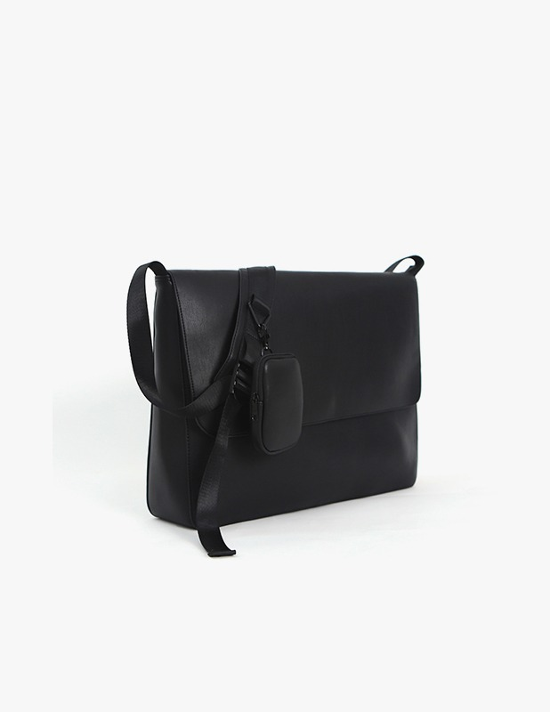 Buffing Leather Utility Flap Big Cross Bag_Black