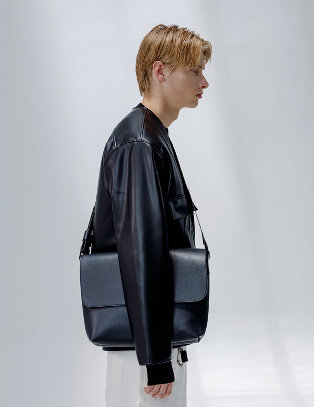 Buffing Leather Round Cosy Cross Bag_Black