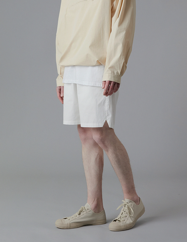 Sanding Oxford Essential Colorway Shorts_Off White