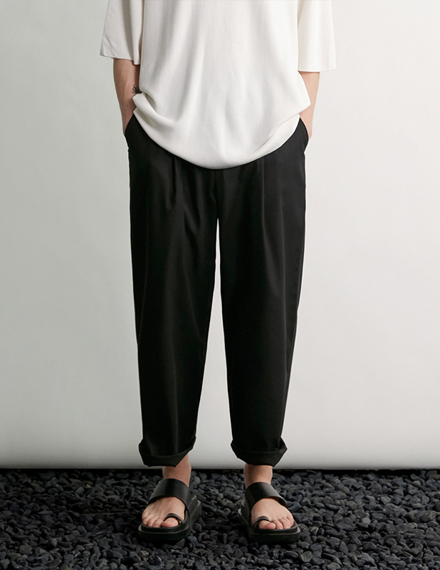 Tapered Wide One Tuck Linen pants_Black
